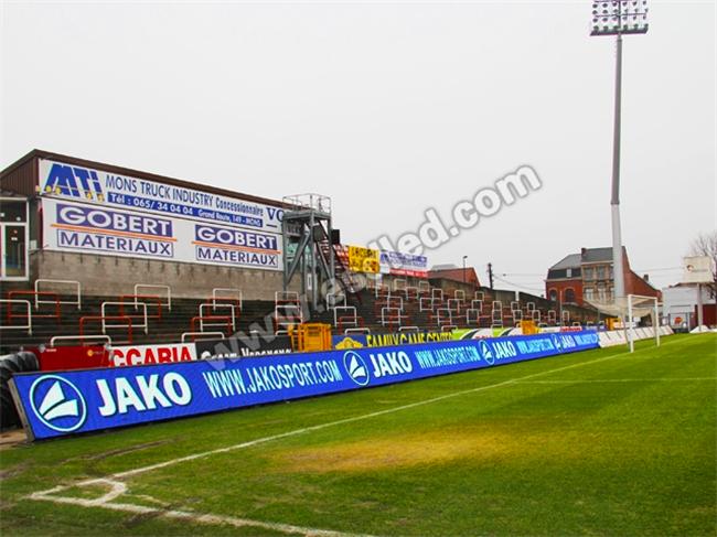 比利时足球场LED全彩显示屏