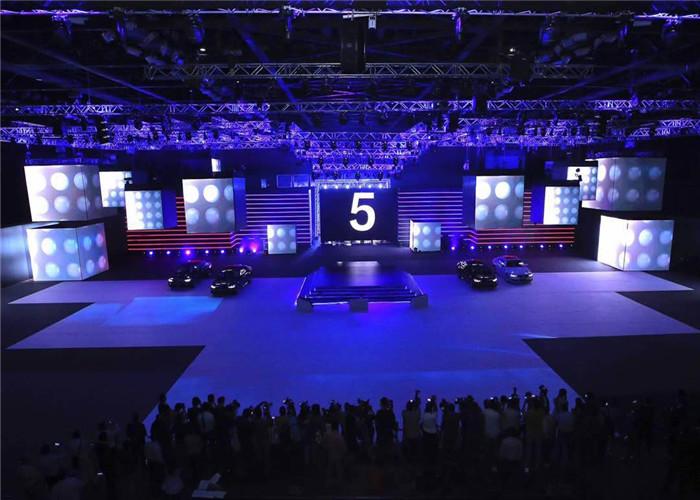 印度全新宝马5系2017新品发布会户内舞台租赁屏迷你系列P3.75